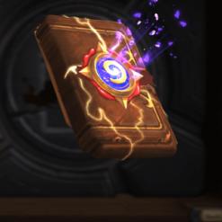 На картинке брелок Варкрафт «Набор карт Hearthstone» (World of Warcraft) WoW, кадр из игры.