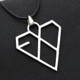 На картинке кулон-подвеска Exo (2 варианта), вариант Кристалловидный.
