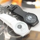 На картинке часы Exo (2 варианта).