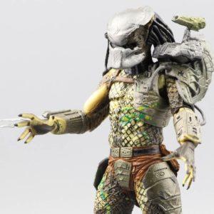 На картинке фигурка Хищник классический — Predator classic, детали.