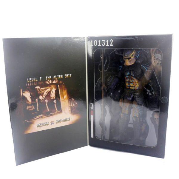 На картинке коллекционная фигурка Хищник Городской Охотник (Predator City Hunter Neca \ Нека), упаковка.