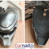 На картинке брелок в виде маски Хищника (Alien vs Predator), вид спереди и сзади.