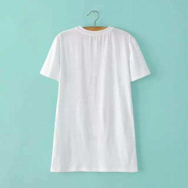 На картинке футболка с пони-единорогом (женская), вид сзади.