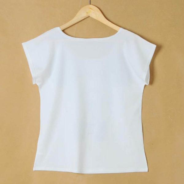 На картинке футболка женская Май Литл Пони (My little pony \ Дружба это чудо), вид сзади.