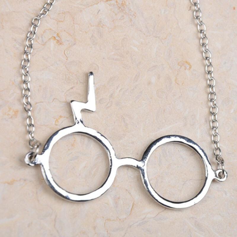 На картинке кулон очки Гарри Поттера (Harry Potter) 2 варианта, вариант Серебряный.