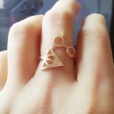 На картинке кольцо Гарри Поттер (Harry Potter) 3 варианта, вариант Золотой.