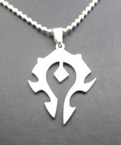 На картинке кулон «Знак Орды» Варкрафт (World of Warcraft) WoW, детали.