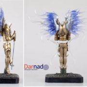 Фигурка Тираэля из Diablo, вид сбоку и сзади