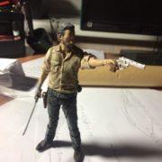 Подвижная фигурка Рика Граймса из Ходячих мертвецов (Walking Dead), реальное фото