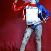 Figurka Harli Kvinn Otryad samoubijc Suicide Squad, real'noe foto