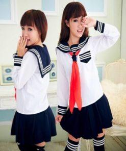 На картинке японская школьная форма (зимняя) 2 цвета, вид спереди и сбоку, цвет белый.