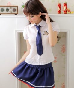 На картинке японская школьная форма (Вариант 6), вид спереди.