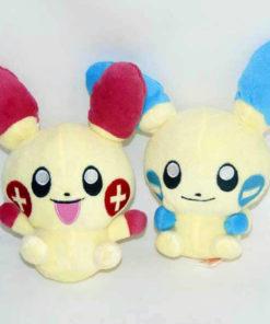 На картинке мягкая игрушка покемон «Плюсл и Минусл» (Покемон), вид спереди, 2 варианта.