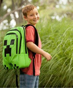 На картинке школьный рюкзак Майнкрафт Крипер (Minecraft Creeper), общий вид.