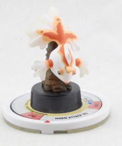 На картинке фигурка покемона Голдина (Покемоны), вид спереди.