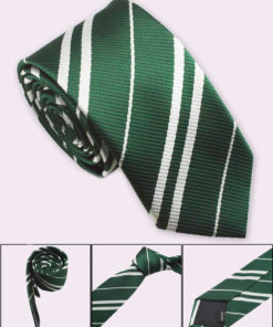 На картинке галстук Слизерина (Хогвартса), детали.