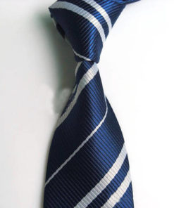 На картинке галстук Когтеврана (Хогвартса).