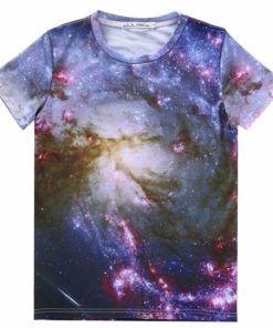 На картинке футболка с принтом космос (космическим принтом) 5 вариантов, вид спереди, вариант 2.