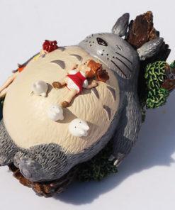 На картинке фигурка Тоторо (Totoro), общий вид.