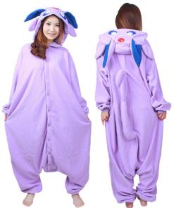 На картинке пижама-кигуруми «Эспеон» Espeon (Покемоны), вид спереди и сзади.