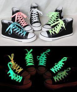 На картинке светящиеся в темноте шнурки (5 вариантов).