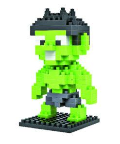 На картинке игрушка-конструктор Халк (Hulk \ Avengers \ Marvel).
