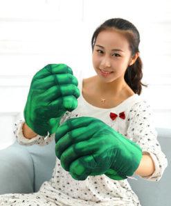 На картинке перчатки в виде кулаков Халка (Hulk \ Avengers \ Marvel), общий вид.
