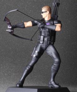 На картинке фигурка Соколиный Глаз Мстители (Марвел \ Marvel), вид спереди.