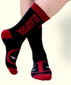 На картинке носки с Дедпулом (Дэдпул \ Deadpool).
