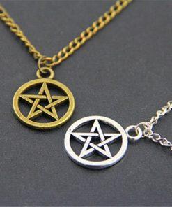 На картинке кулон пентаграмма Сверхъестественное (Supernatural), 2 варианта.