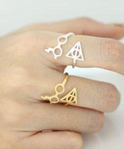 На картинке кольцо Гарри Поттер (Harry Potter) 3 варианта, варианты Золотой и Серебряный.